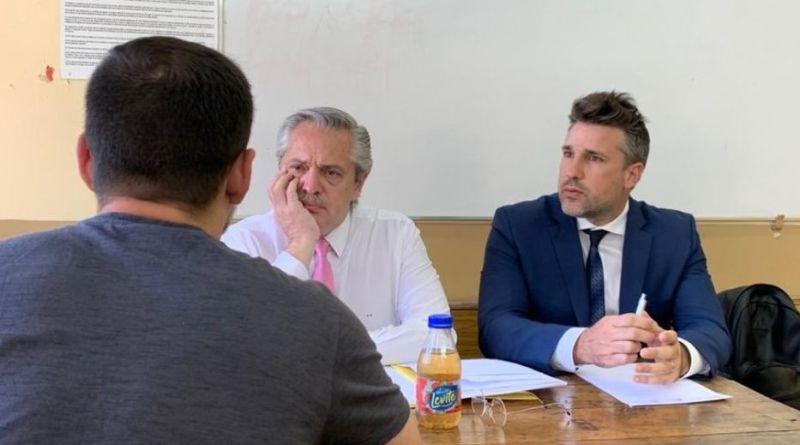ALBERTO FERNÁNDEZ NO ABANDONA LA PROFESIÓN DOCENTE: FUE A LA FACULTAD A TOMAR EXÁMENES
