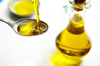 Aceite de oliva para eliminar la cera de los oídos
