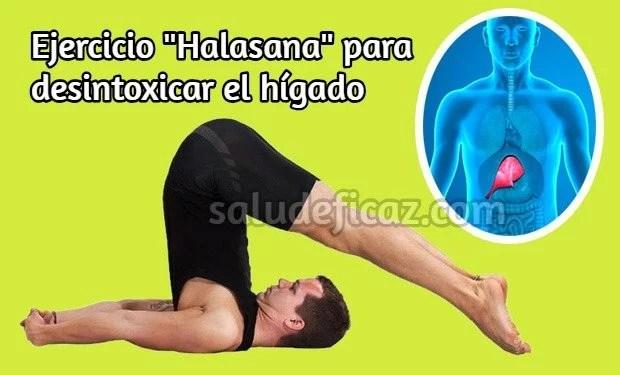 Ejercicio halasana de yoga para desintoxicar el hígado