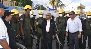 Ministro de Salud encabeza jornada contra el dengue en los Girasoles