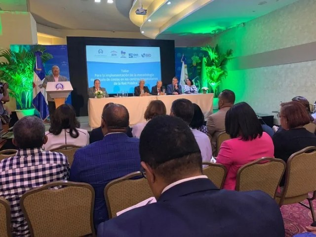 El SNS y Gabinete Políticas Sociales inician talleres para centros de la Red Pública