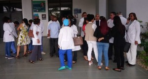 Médicos del Calventy paran labores de nuevo