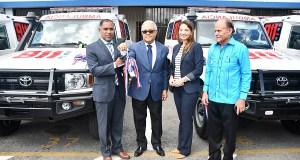 Gobierno entrega 30 ambulancias serán integradas a labores del 911