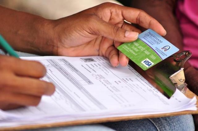 Vicepresidencia dice beneficiarios de tarjeta Solidaridad serán llamados a sus casas