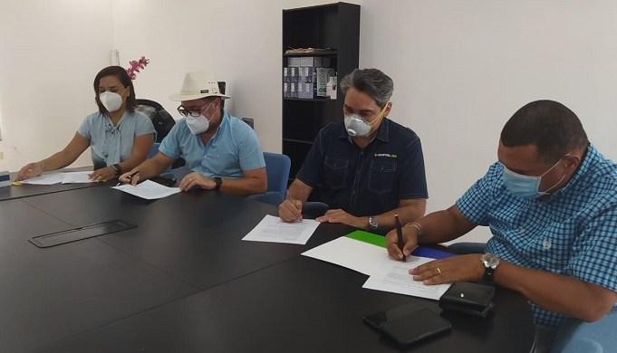 Asociación operadores de turismo firma acuerdo para obtener sello de calidad COVID SAFE del Hospital IMG