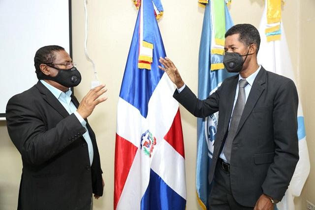 Clemente Terrero a la dirección del hospital infantil Dr. Robert Reid Cabral