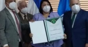 Academia de Ciencias reconoce subdirectora del Hugo Mendoza, Jaquelin Carrasco