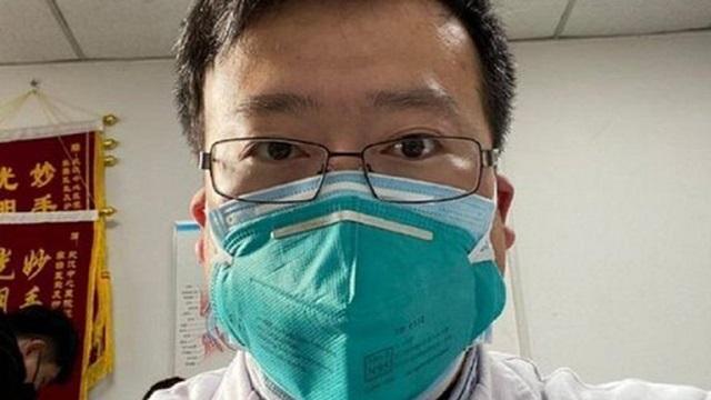 Wuhan recuerda al médico que dio la voz de alarma sobre el coronavirus, un año después de su muerte
