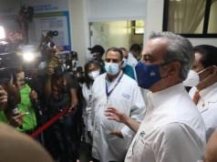 Presidente Abinader llama a la población a continuar con Plan de Vacunación durante Semana Santa