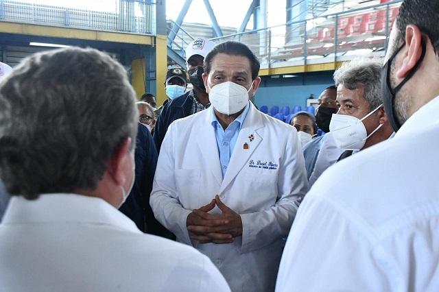 Ministro de Salud dice que hay menos personas sintomáticas en el país con el Covid-19