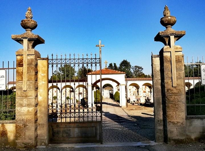 C'è la Messa nei quattro cimiteri in vista della ricorrenza del 2 novembre
