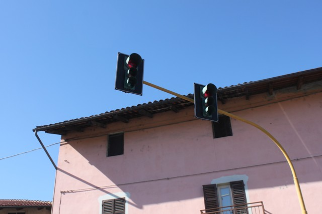 Accade 30 anni fa – A gennaio 1991 la decisione di due impianti semaforici sulla S.S. 143 Vercellese