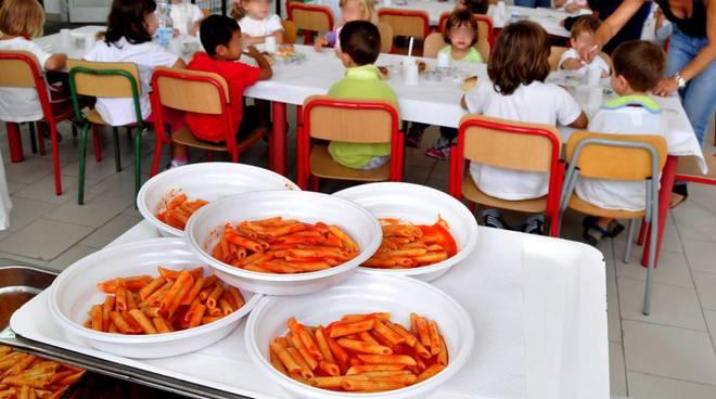 La ditta Lavorint si occuperà dello scodellamento alla mensa delle scuole