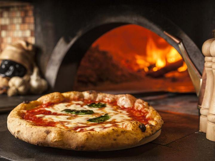 Effetto dpcm, Pizza Amore e Fantasia fa le consegne a domicilio