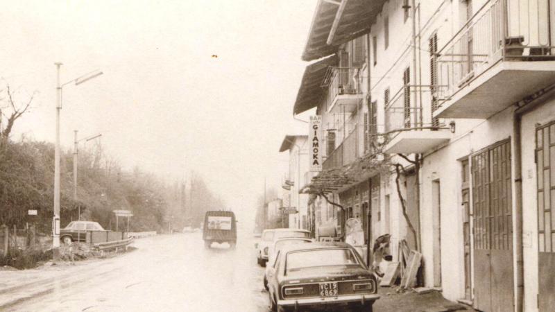 Vecchia Salussola: Via Martiri in località Borgonuovo quando il semaforo non c'era