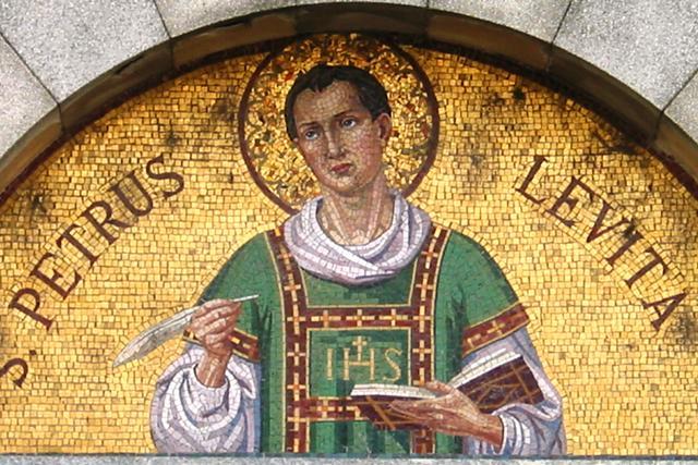 I miracoli e le leggende si mischiano con la devozione al santo beato pietro