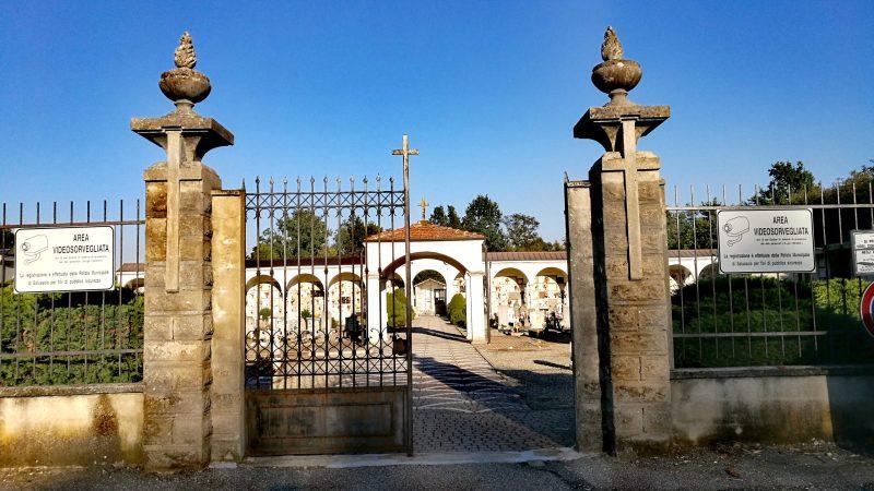Curiosità: Il cimitero del capoluogo sorse con l'intenzione di dismettere gli altri tre