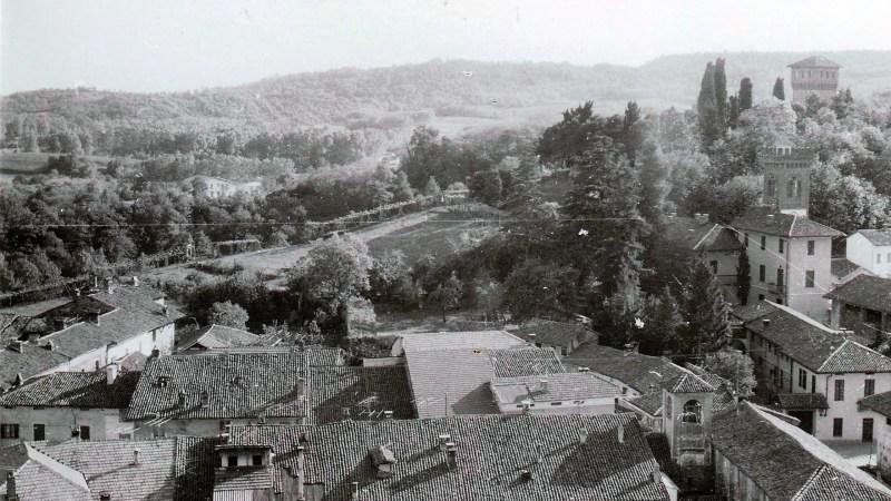 Vecchia Salussola:  Tetti del borgo antico negli anni del 1970