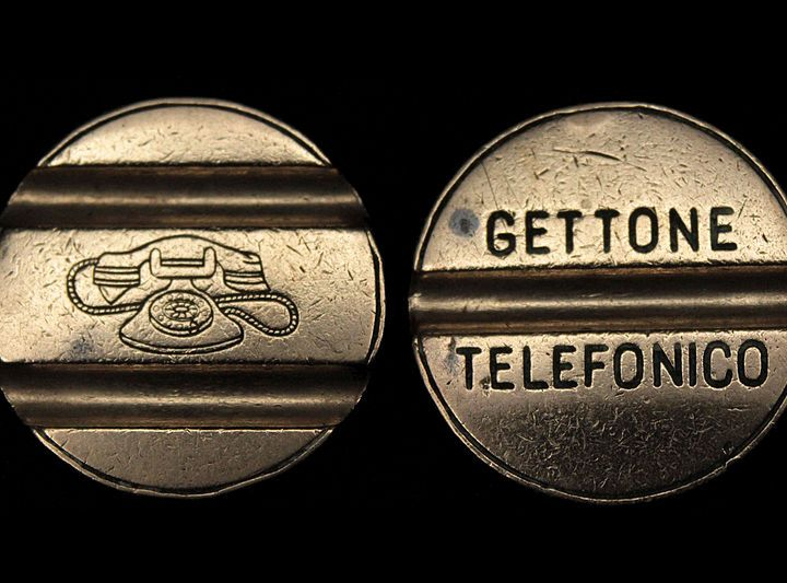 A cosa serve ancora la cabina telefonica di Salussola?