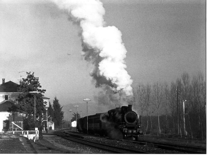 Vecchia Salussola: Una delle ultime vaporiere alla stazione di Salussola