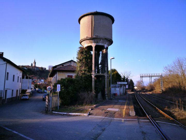 Il passaggio a livello della stazione chiuso per lavori notturni dal 21 al 30 settembre