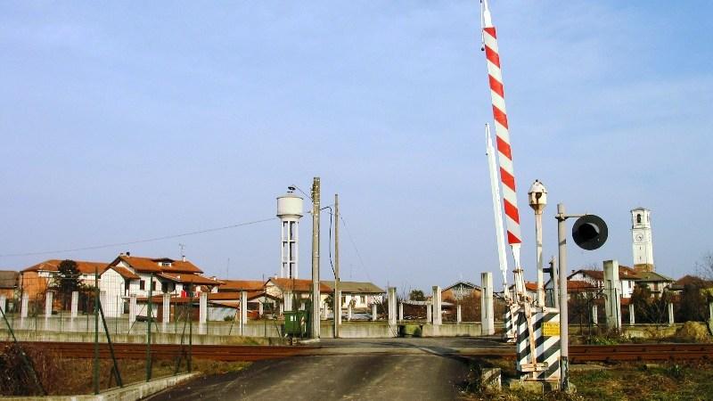 Ferrovia Biella – Santhià: Cosa comporterà la soppressione del passaggio a livello di Via Granatieri di Sardegna