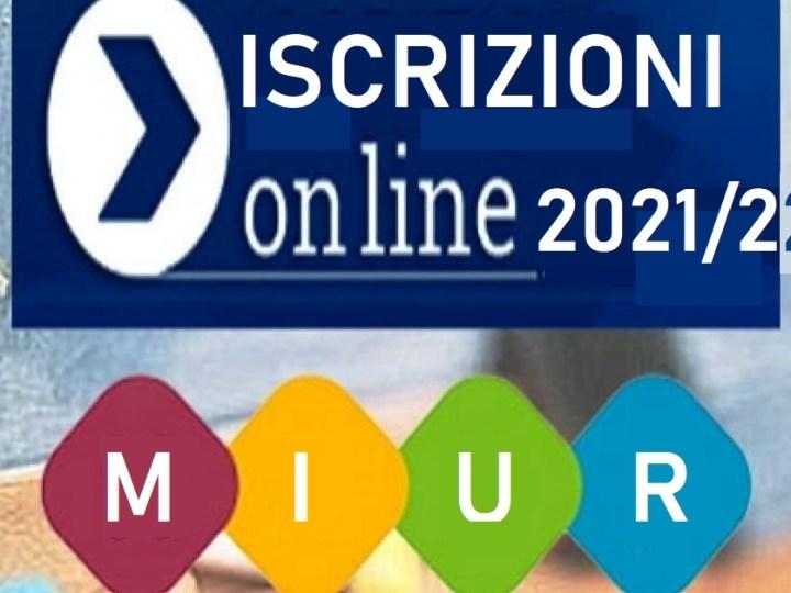 Via alle iscrizioni online per l'anno scolastico 2021/2022