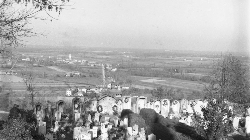 Vecchia Salussola: Il vecchio cimitero dismesso visto negli anni del 1950