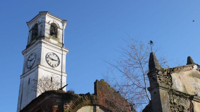 Il 3 febbraio 2001 abbiamo visitato l'interno della vecchia chiesa di Vigellio
