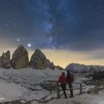Nella foto del giorno della Nasa: Saturno, Giove e le Dolomiti