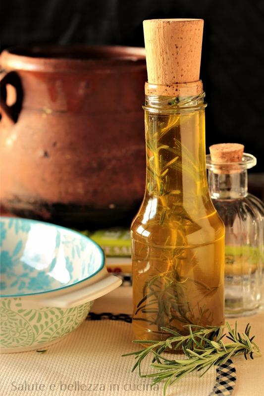 Olio Extravergine Di Oliva Aromatizzato Al Rosmarino