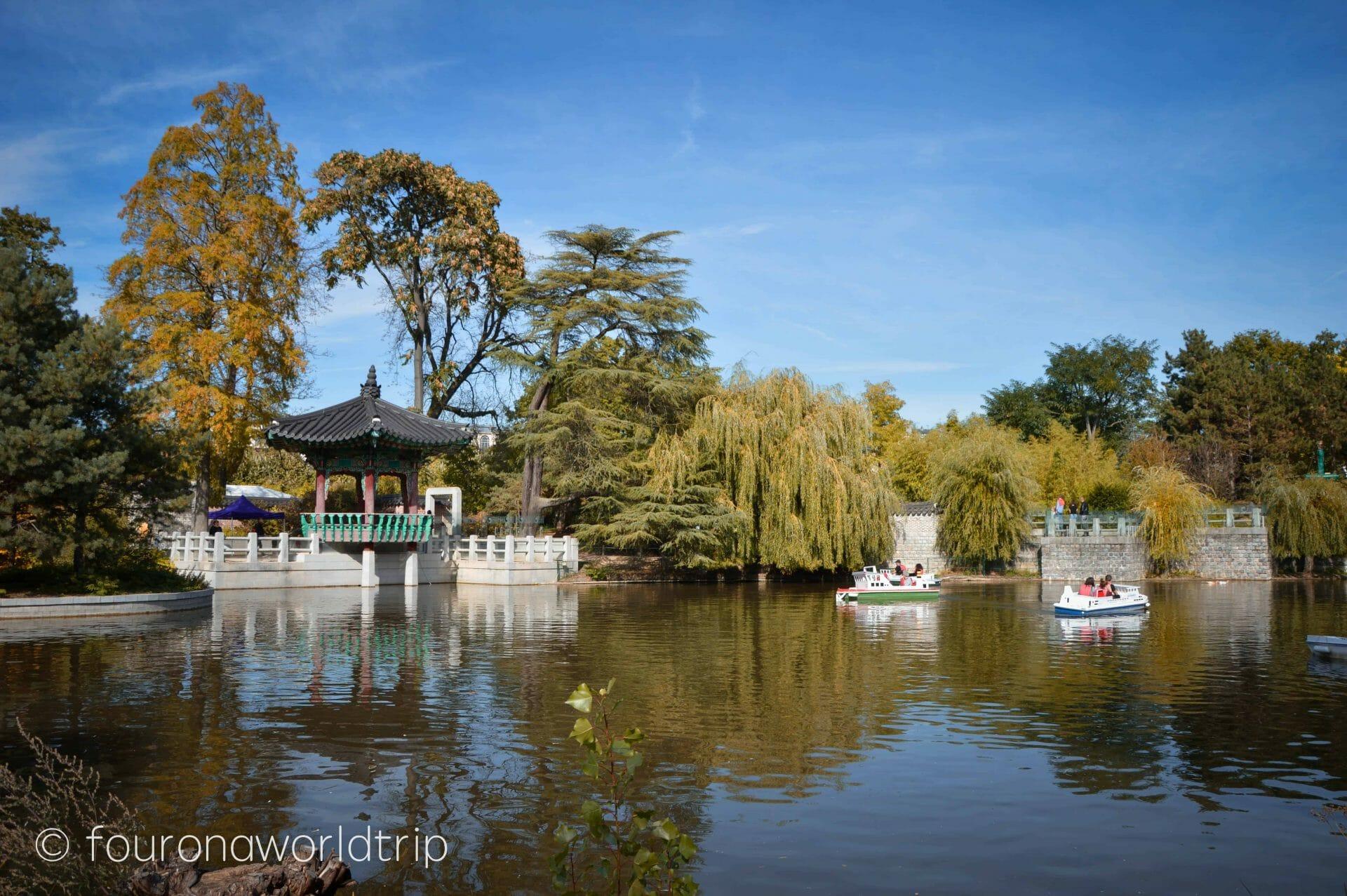 Paris - Jardin d'Acclimatation and Foundation Louis Vuitton