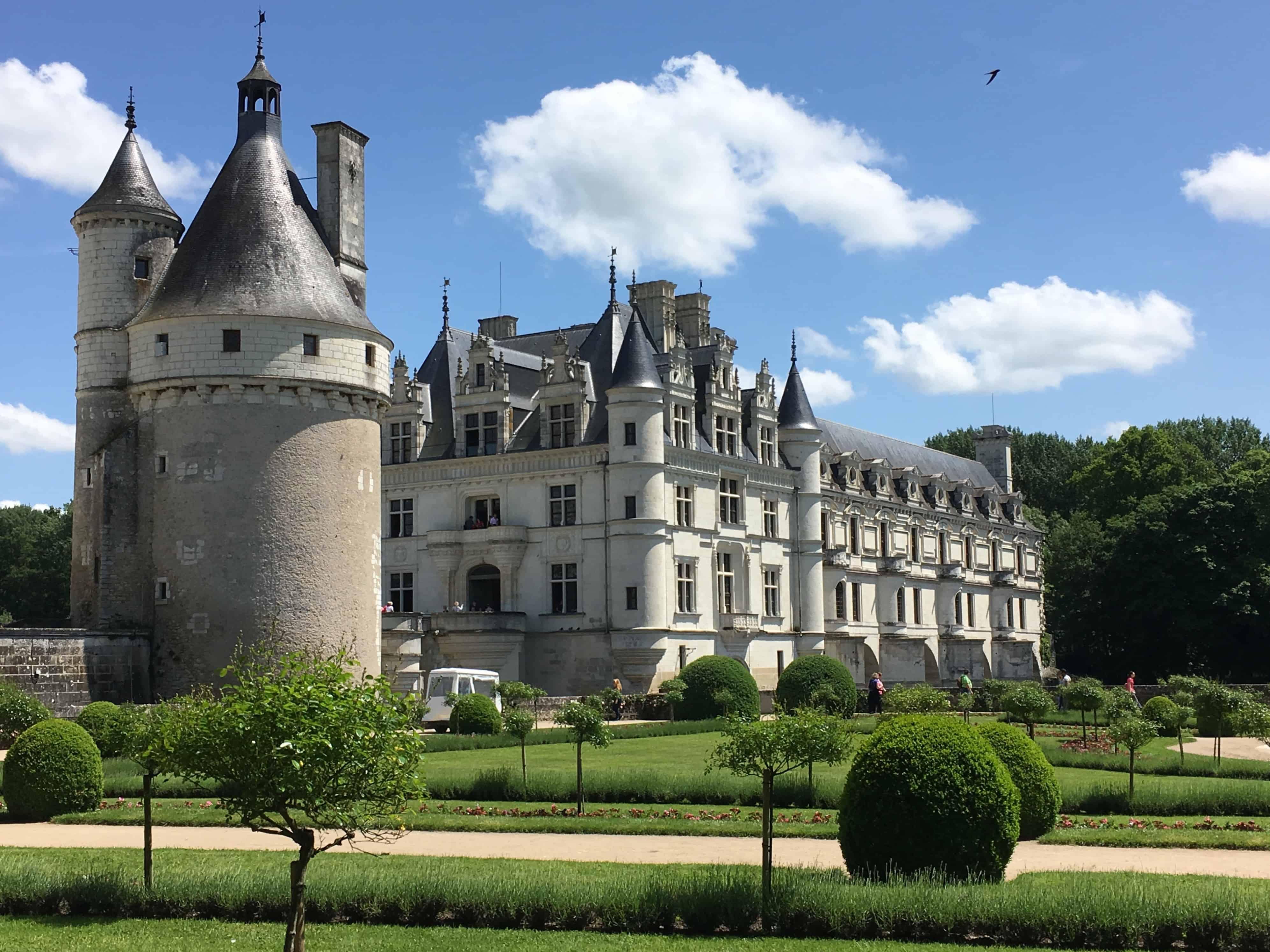 tours to loire valley from paris: Julie from The Freckled Tourist took a day tour from Paris and visited the Loire Castles -