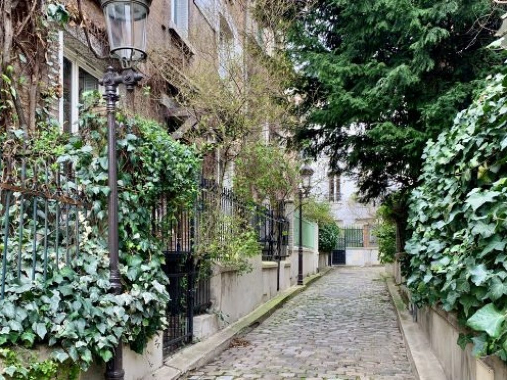 Square de Peupliers - beautiful streets in Paris
