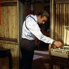 Sean Connery nel film Agente 007 – Licenza di uccidere