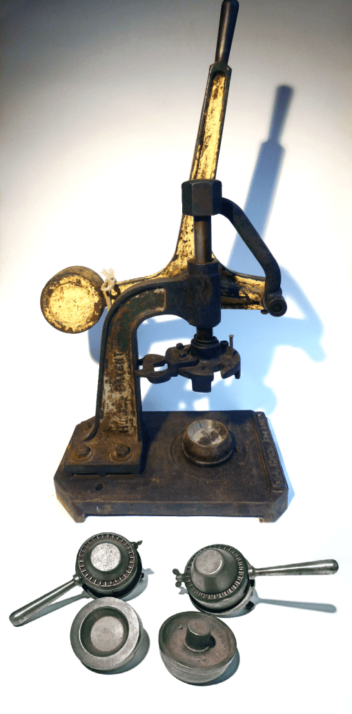 Pie Making Press / Machine J. Hunt Bolton Champion Range (A Die Set Included)