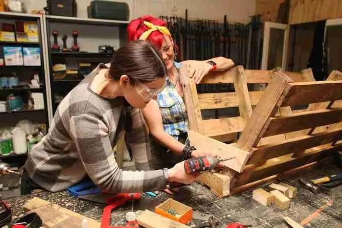 Making a pallet trough