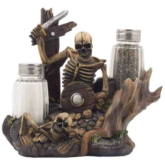 pirate salt and pepper shaker set