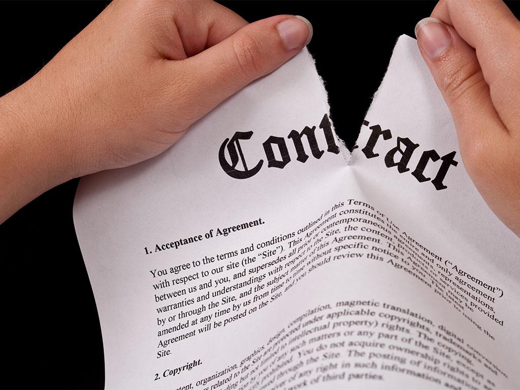 Nullità del contratto: rilevabilità d'ufficio e risarcimento del danno