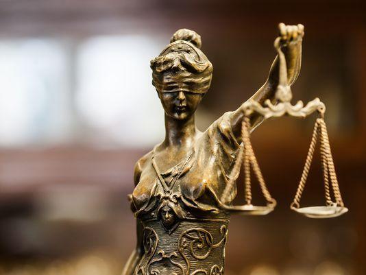 Sezioni Unite, revocabile il provvedimento applicativo di una misura cautelare anche in assenza di fatti nuovi