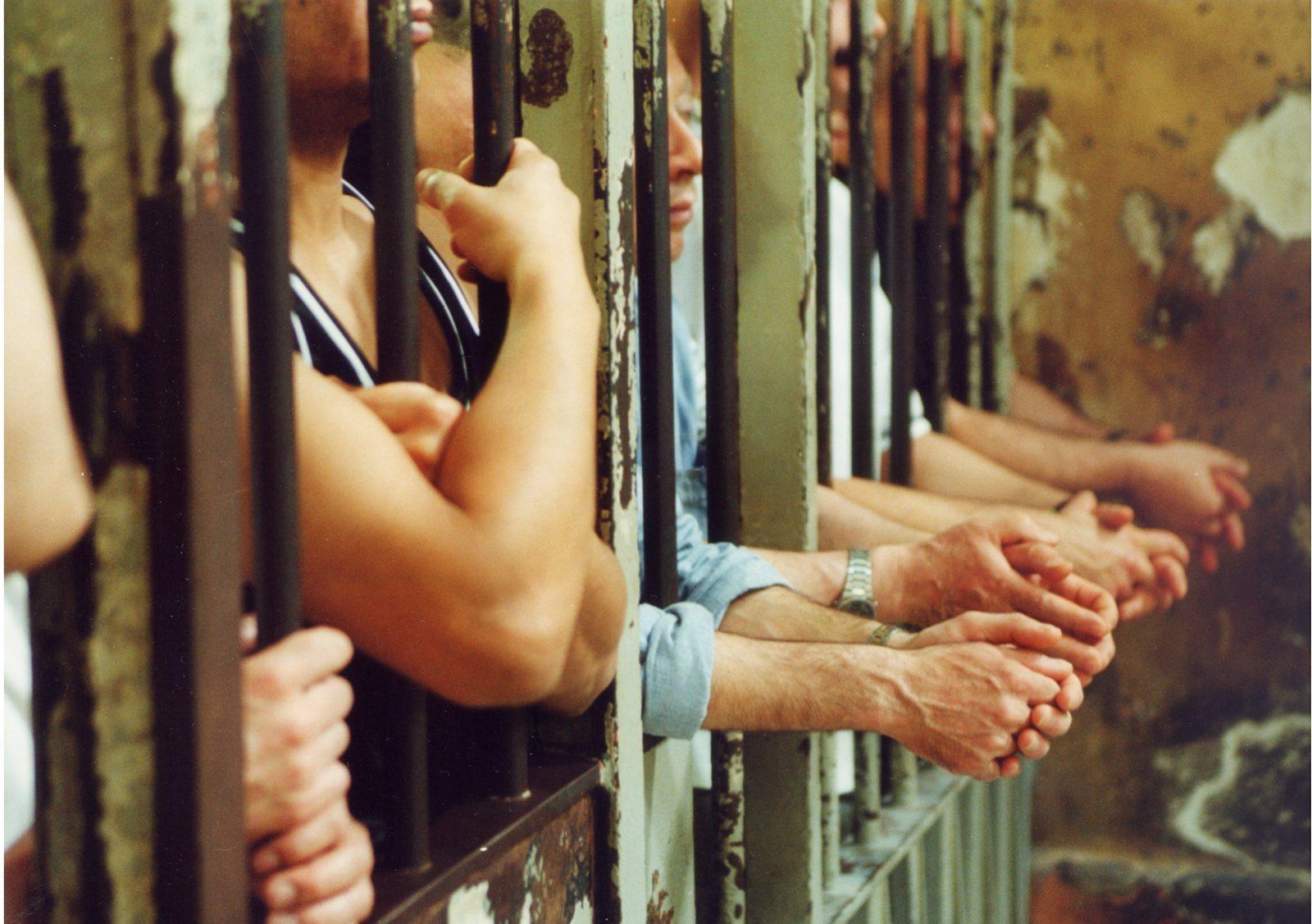 Pene sostitutive alla detenzione: svolta per i minorenni