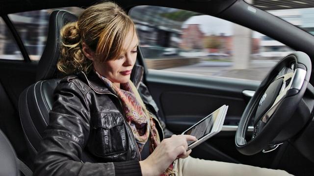 Rifiuto del proprietario del veicolo di fornire le generalità del guidatore, sanzioni?