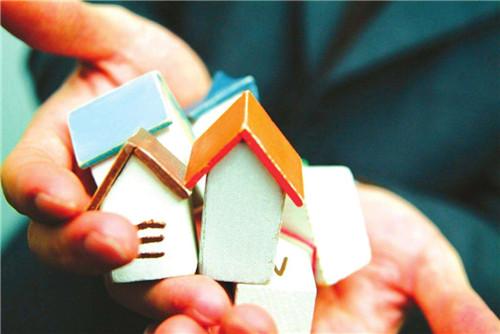 Il preludio ad un neoformalismo di protezione: la locazione ad uso abitativo