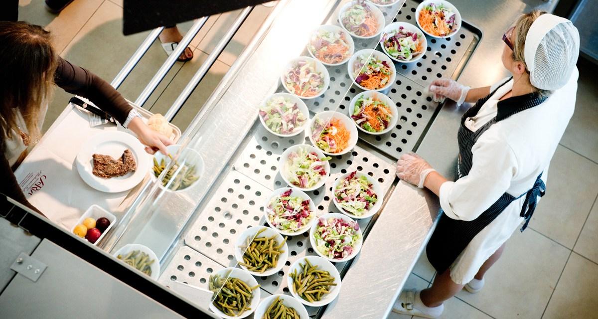 Ristoranti e bar, la somministrazione di pasti e bevande ai dipendenti: la rilevanza ai fini fiscali