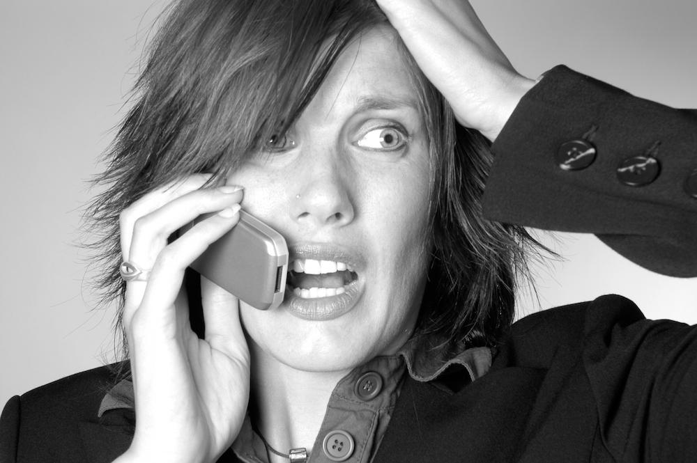 Molestie telefoniche: responsabilità per il titolare della società di recupero crediti che assilla l'utente moroso