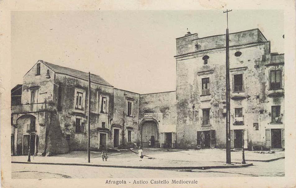 """La """"vera"""" storia del castello di Afragola"""