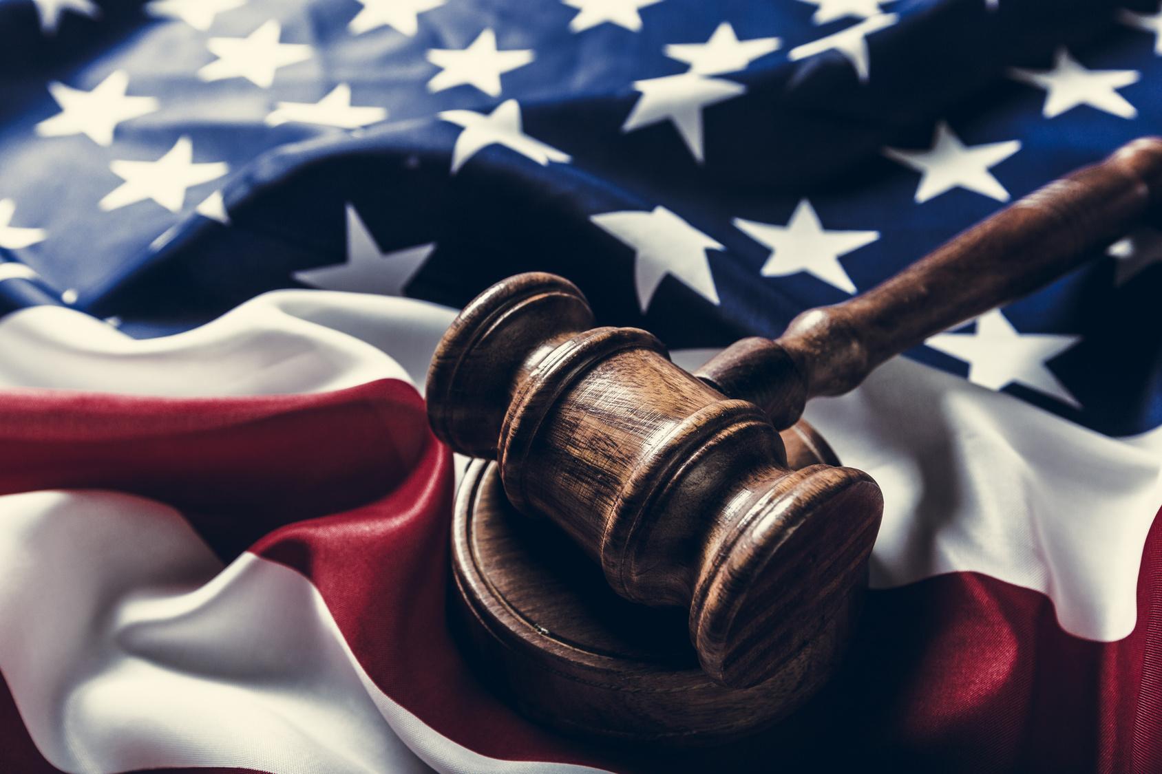 L'autodifesa penale dell'avvocato nel sistema federale americano e la carta fondamentale (Bill of Rights)