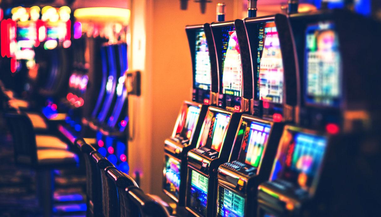 Il gestore delle slot machine che non versa il PREU commette peculato?