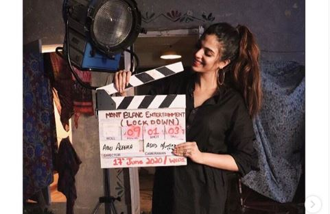 Photo of Sonya Hussyn shares BTS shot from her upcoming film | SAMAA