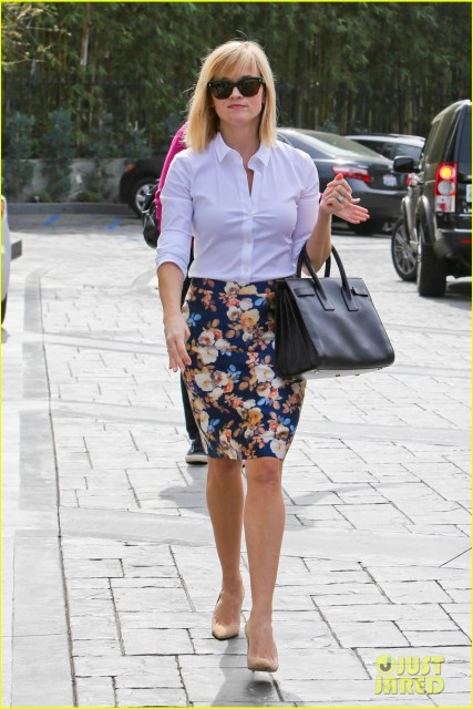 February 2014 - Looking professional in a crisp white shirt, JCrew (I think) pencil skirt, and nude heels.